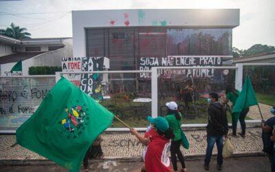 Via Campesina Brasil ocupa Aprosoja, em Brasília, nesta quinta-feira (14)